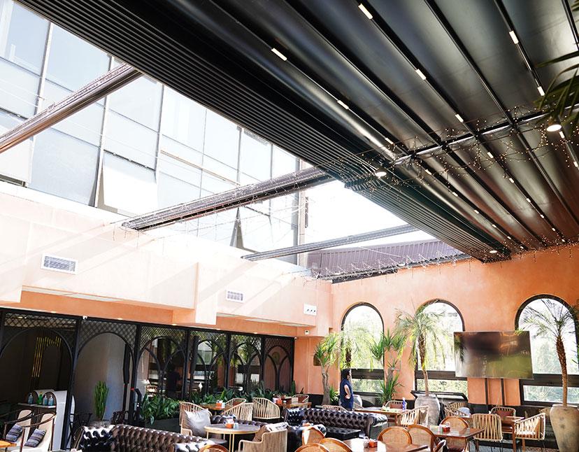 سقف متحرک رستوران کارابو